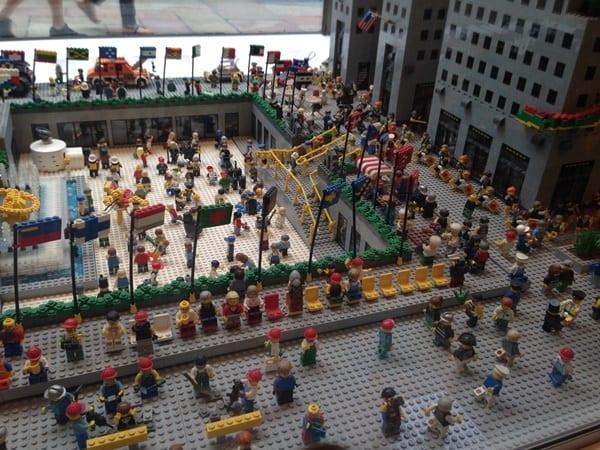 lego-rockafeller-center