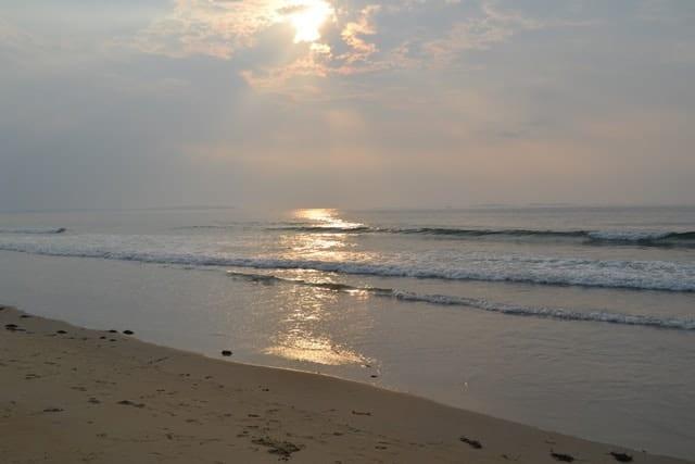 sunrise-on-beach