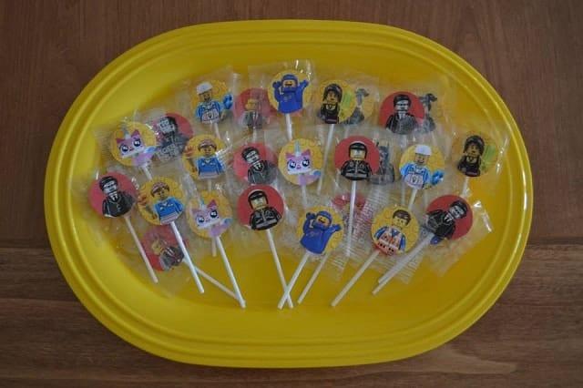 lego-lollipops