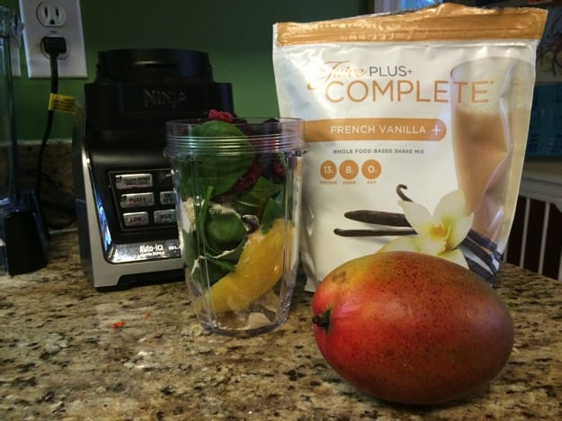 banana-free-smoothie-with-juice-plus-complete