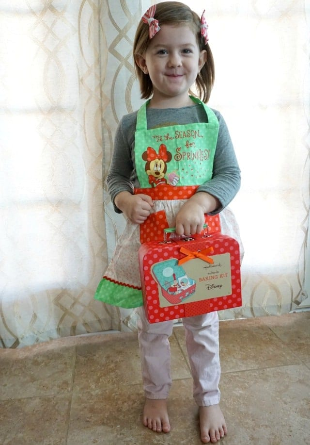 Minnie Baking Set and Apron