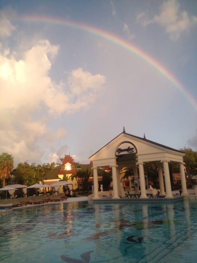 rainbow-at-beaches