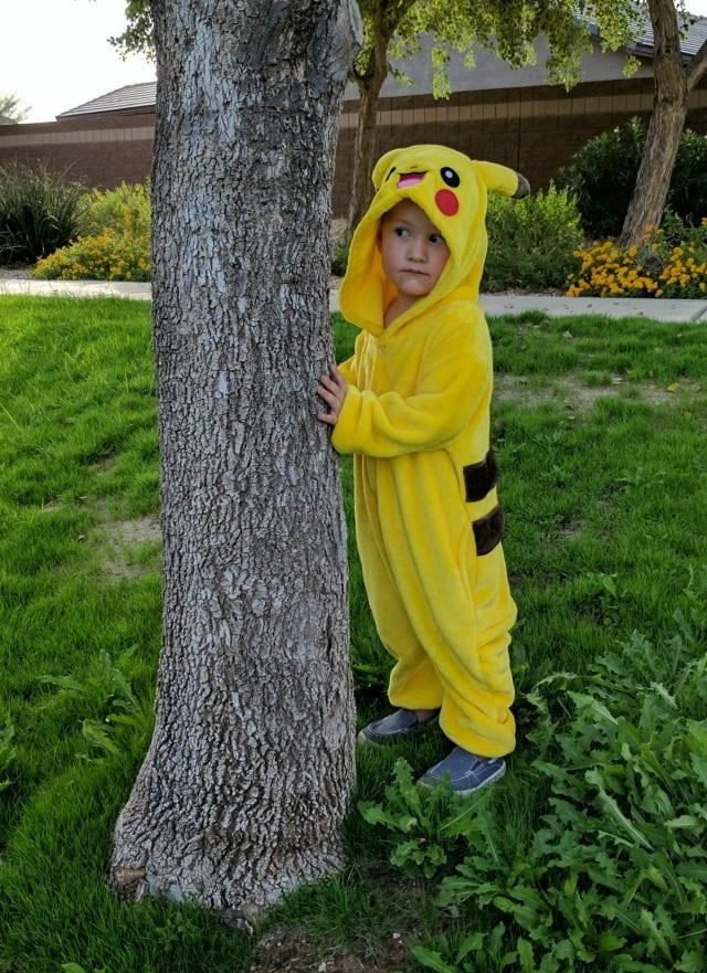 pikachu-by-a-tree
