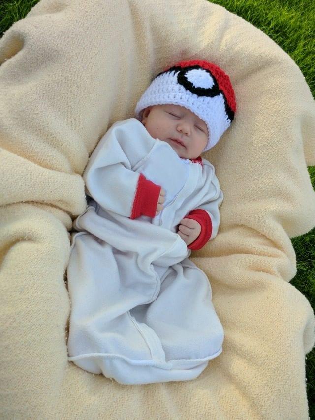pokeball-pokemon-costume