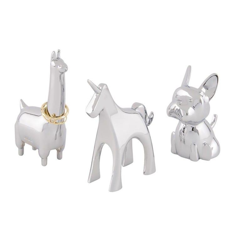 ring holder animals